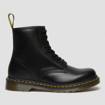 DR. MARTENS 1460 Line – Black Smooth Leather Ankle Boots