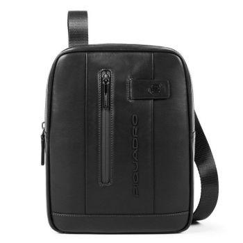 """Сумка кросс-боди Piquadro из черной кожи для iPad® 10,5 """"/ iPad 9,7"""" - CA1816UB00 линия Urban"""