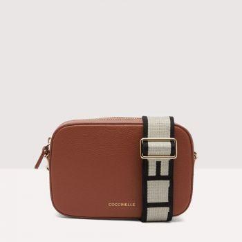 COCCINELLE Tebe Line – Small Cinnamon Leather Crossbody Bag